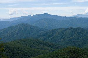 1024px-Mt.Daibosatsurei_from_Mt.Kasatori_03